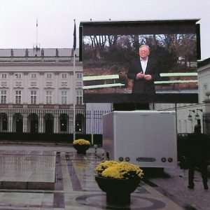 kancelaria prezydenta RP ekran mobilny na przyczepie z nagłośnieniem