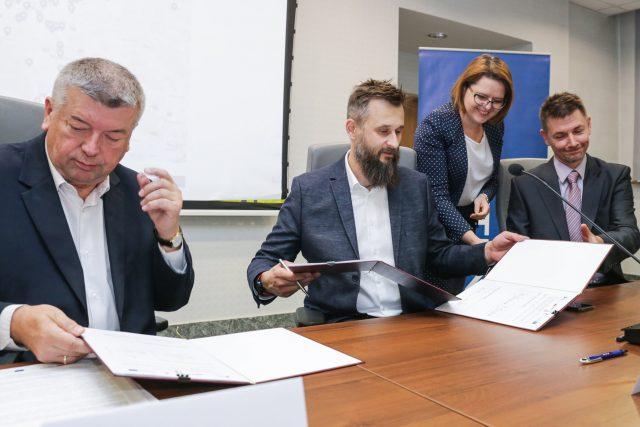 462 nowe punkty dynamicznej informacji pasażerskiej - podpisanie umowy
