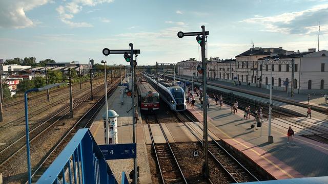 train station pids